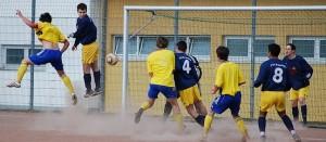 Read more about the article Fulminanter Auswärtssieg! Junges RSV-Team stürmt auch Mittenaar!