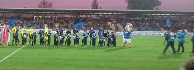 RSV-Bambini und F-Junioren Einlaufkinder bei Frankfurt gegen Bochum