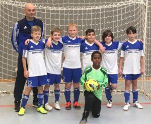 Read more about the article Hallenfußball am Wochenende: RSV-Jugend mit viel Licht, aber auch Schatten