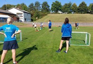 """Read more about the article Tag des Mädchenfußballs: """"Girlpower"""" auf der Bezirkssportanlage"""